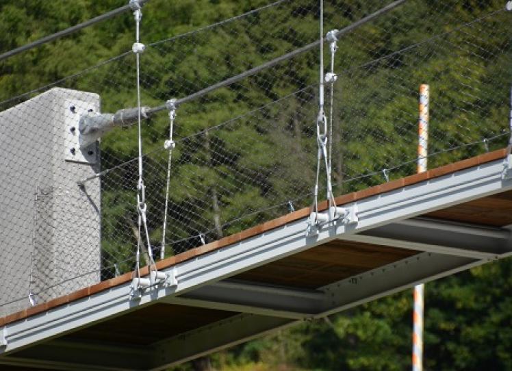 Capicorda e accessori di sollevamento SIRTEF per la passerella sul torrente De La Creusce