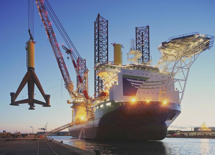 Offshore crane 3  - veropro 8 RS - Veropro 10