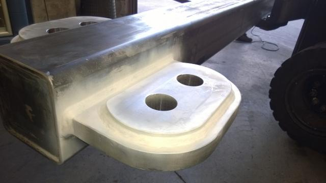 Check welds on Spreader Beam - white lacquer
